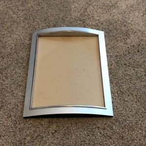 """Silver tone 8 x 10"""" wall hanging picture frame"""